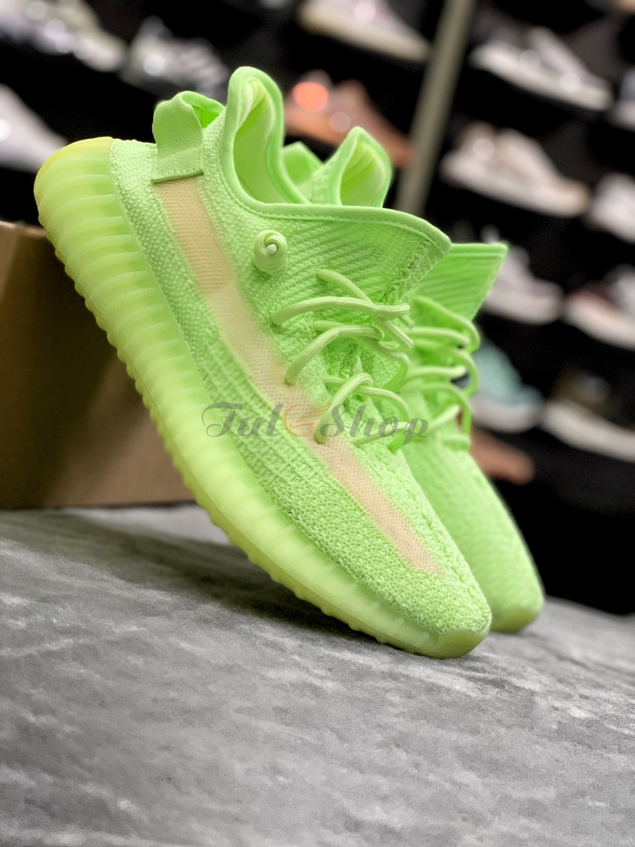 Yeezy 350 glow in the dark