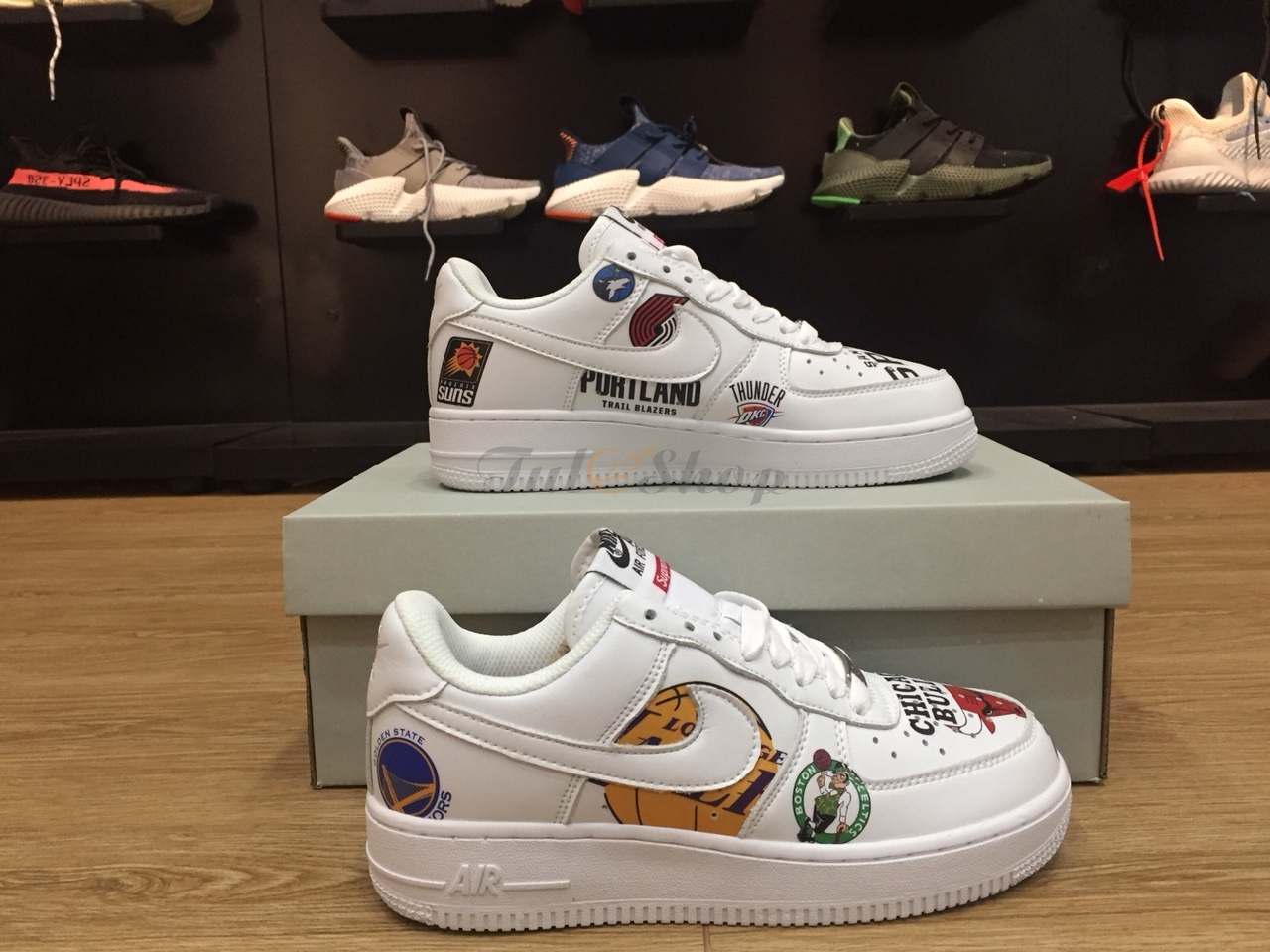 NIKE AIR FORCE 1 SUPREME CHICAGO NAM, NỮ